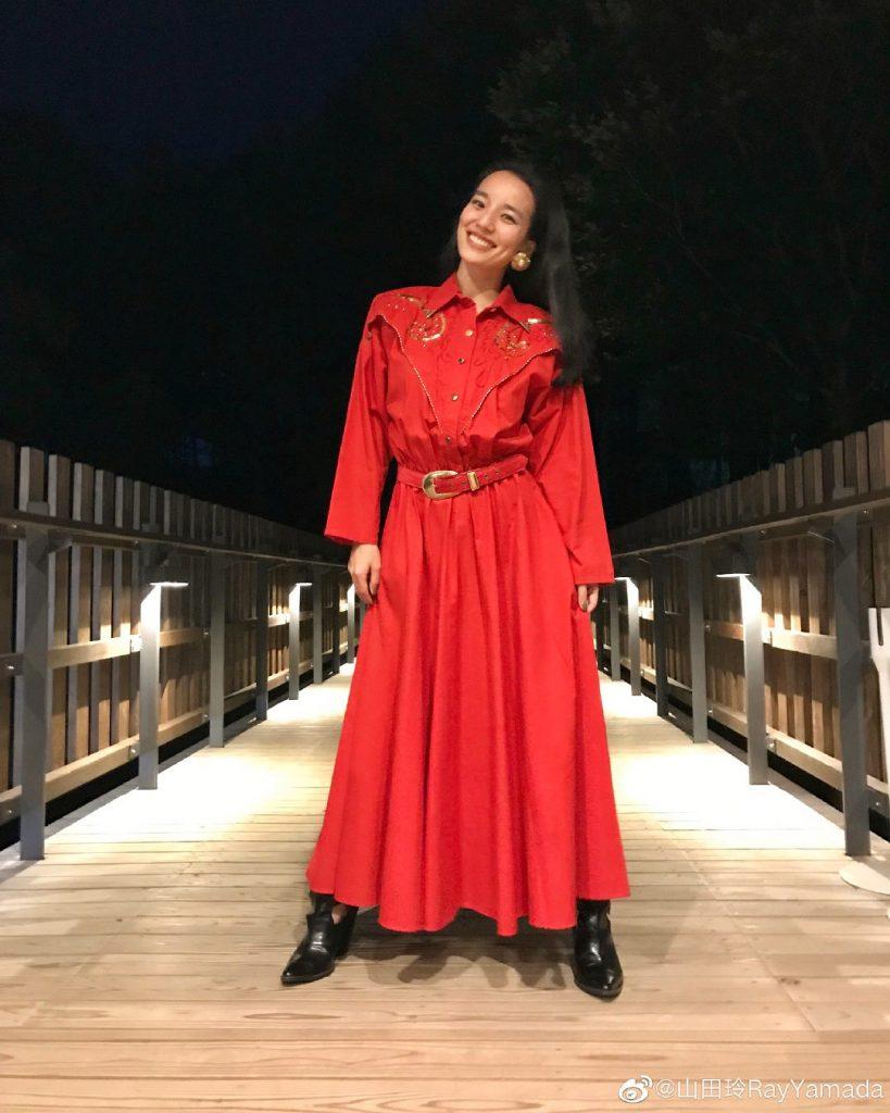 歌手山田玲开通了中国的SNS「微博」!